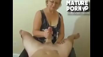 2 amateur share cock