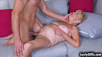Granny Malya has no cash on hand so she offers her PUSSY
