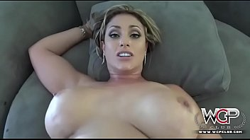flexable cute naked women