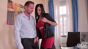 Brunette bombshell Summer crams her mouth and pink with fat dick at the office