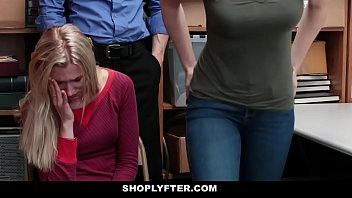 Teen StepDaughter Gets Dicked Down For Mom