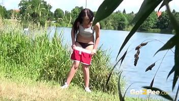 Outdoor girls pissing