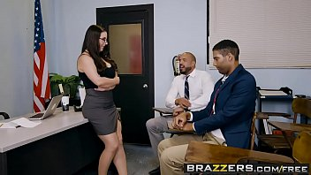 Brazzers - Gros Seins a...