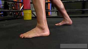 MMA Fighter Chick Gives Hot Footjob