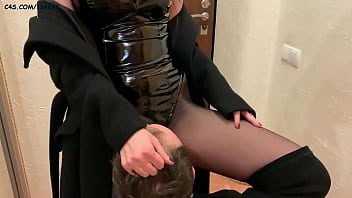 Latex Queen In Fetish Clothes Uses Her Pussy Eater Slave (Preview)