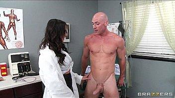 Medecin femme se faire baiser...