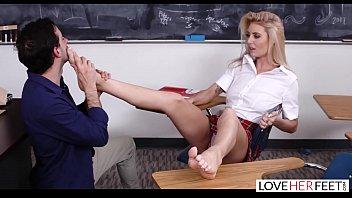LoveHerFeet - A Lesson In Foot Sex With Teen Victoria Steffanie