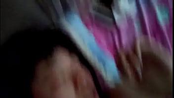 中学生アイドルが2人組が1本の生チンポを両側からしゃぶるの学生系動画