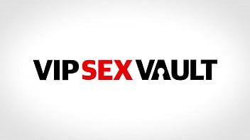 VIP SEX VAULT - #Yasmin Scott - Sexy MILF Blows And Fucks In Swinger Fun With Her Friends