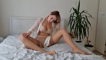 Join new face Siya in her lingerie and stockings as she lets us see exactly what she gets up to at home to make herself moan!