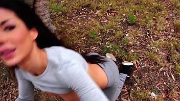 Ella quería comerme la poya en un parque público, yo le llene la cara de leche.
