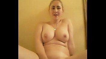 Show full pussy
