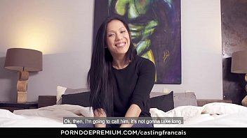 CASTING FRANCAIS - Hardcore casting scene ends with cum on pussy