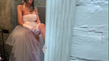 Liza Virgin cheats on the groom before the wedding by giving a blowjob to his best friend and gets cum on his face
