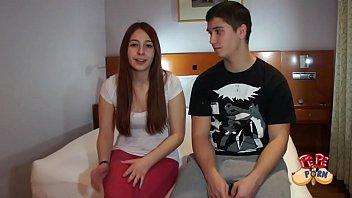 parejita de teen aprendices hacen su primera porno