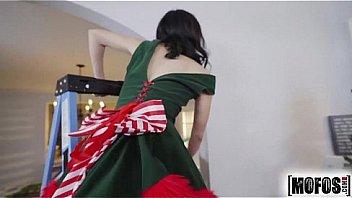 Mofos.com - I Know That Girl - Lucie Cline