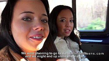 Trois adolescents des auto-stoppeurs de...