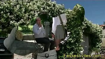 L'étudiante fessée chez Fessestivites