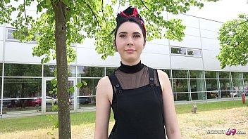▶▶ GERMAN SCOUT - Versautes Girl Joena Kaiser aus Berlin nach der Schule bei Fake Model Job gefickt