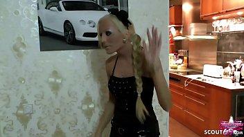 German Taboo - Tochter gibt Stief Papa einen Handjob