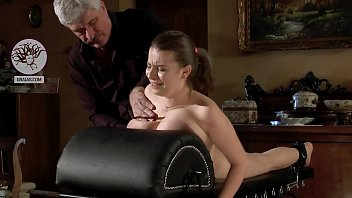 Crying slave girl got her breasts punished