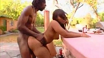Big booty cherokee fucking at a cookout