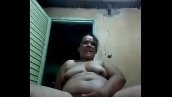 Indian aunty gemir sur la...