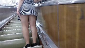 Upskirt in subway