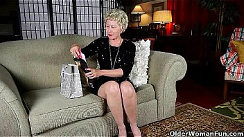 Mom's new pantyhose got her all worked up