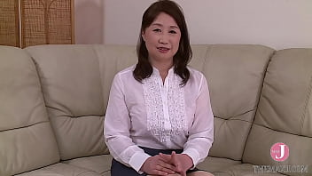 A genuine pervert who made her porn debut to relieve her frustration, making her debut as a newcomer and mature porn star! Satsuki Yamazaki(50)intro