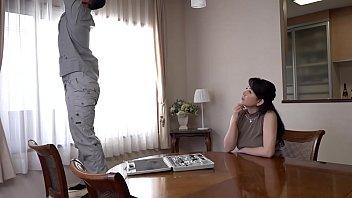 三浦恵理子がフェロモンむんむんの主婦に扮して家を訪れた男たちを次々に食い散らかす4篇の誘惑ストーリー。