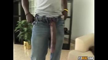Um penis gigante pra morena pequenina 540p