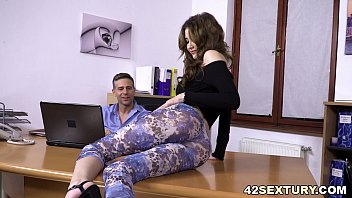 Big cocked man assfucked his Boss' daughter