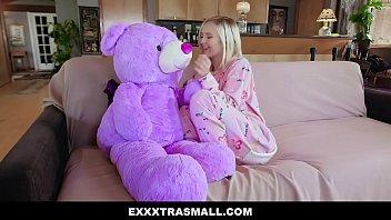 Exxxtra Small - Sexy Petite Babe Natalia Queen Fucking Big White Cock