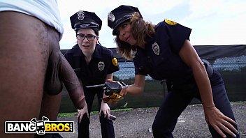 police' Search - XNXX.COM
