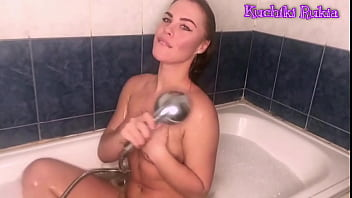 Webcam girl shaved in bathroom