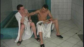 Mamalick.com zreloe Pornoo-v-saune-s-zrelymi