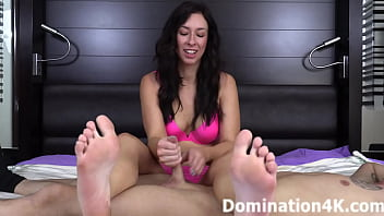 You love getting a foot smelling handjob!