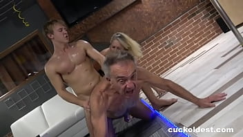 Senior cuckolds his wife