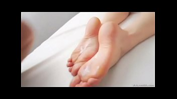 Mia Khalifa Feet