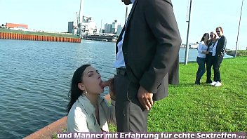 Public blowjob mit geiler deutscher schlampe und passanten
