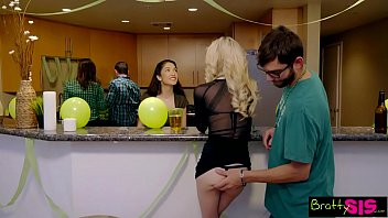 Lucky Brothers First Threeway Is With Slutty Step Sisters S4:E8
