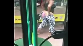 black plumper squirts in public !