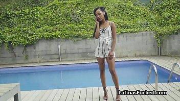 Brazilian hottie is ready for her weekly massage