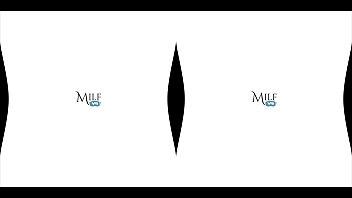 Skinny MILF Loves Anal Sex! MilfVR