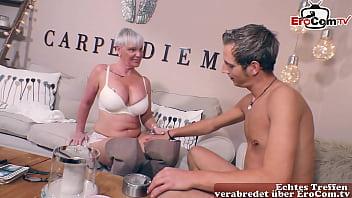 Mann fickt Alte Frau jungen Mann beim