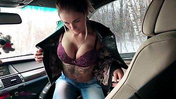 Sexy Schoolgirl Deepthroat cock Taxi Driver in Car - Oral Creampie
