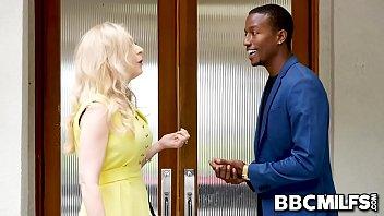 Ex employee bangs his MILF boss Nina Hartley