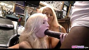 Petite Blonde zerstört Bbc
