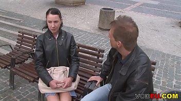 German Mature - MILF fickt mit Jungspund in der Samen Bank fuer Sperma Probe